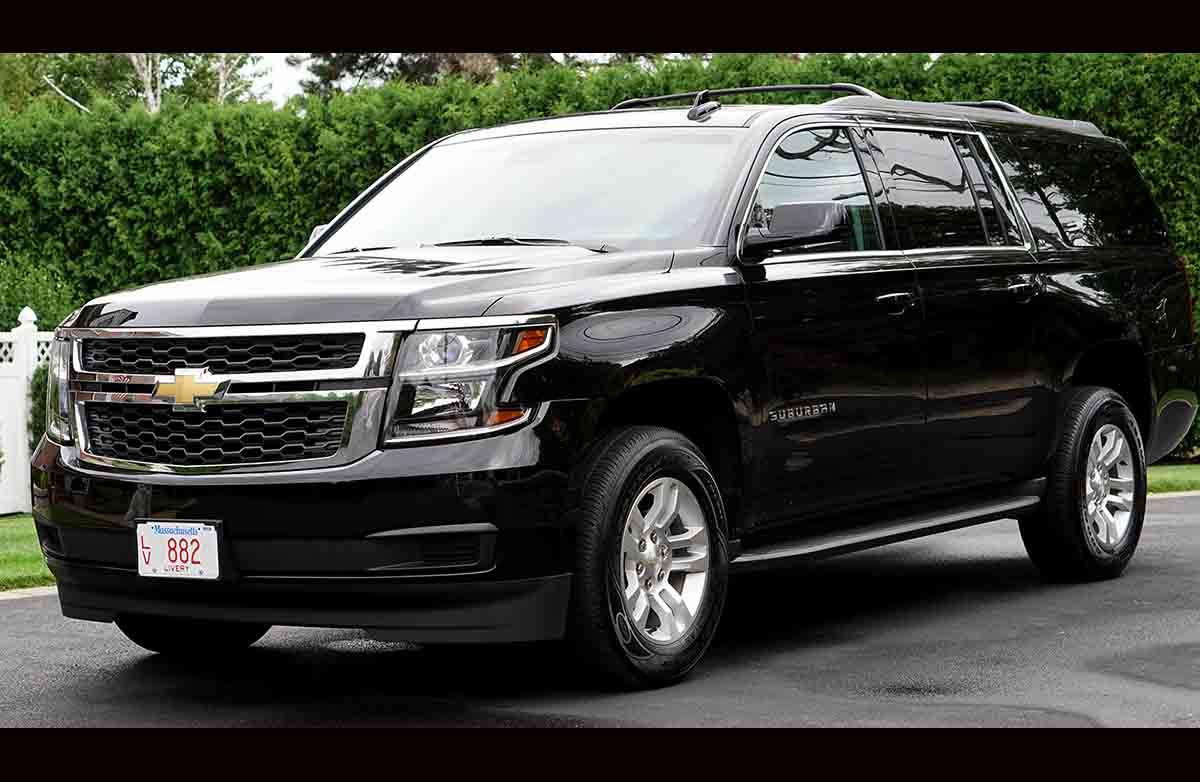 7 Passengers Luxury SUV Chevrolet Suburban